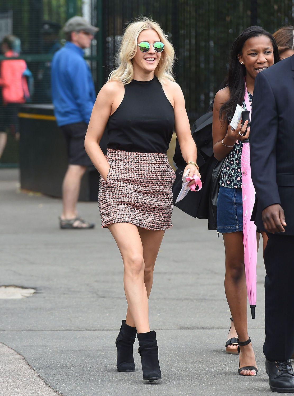 Ellie Goulding Pokies (8 Photos)
