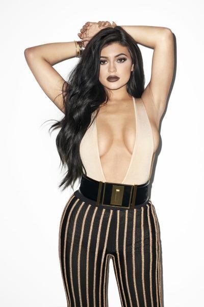 Kylie Jenner Sexy (15 Photos)