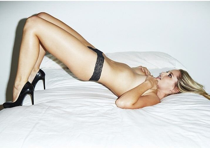 Genevieve Morton Topless (7 New Photos)