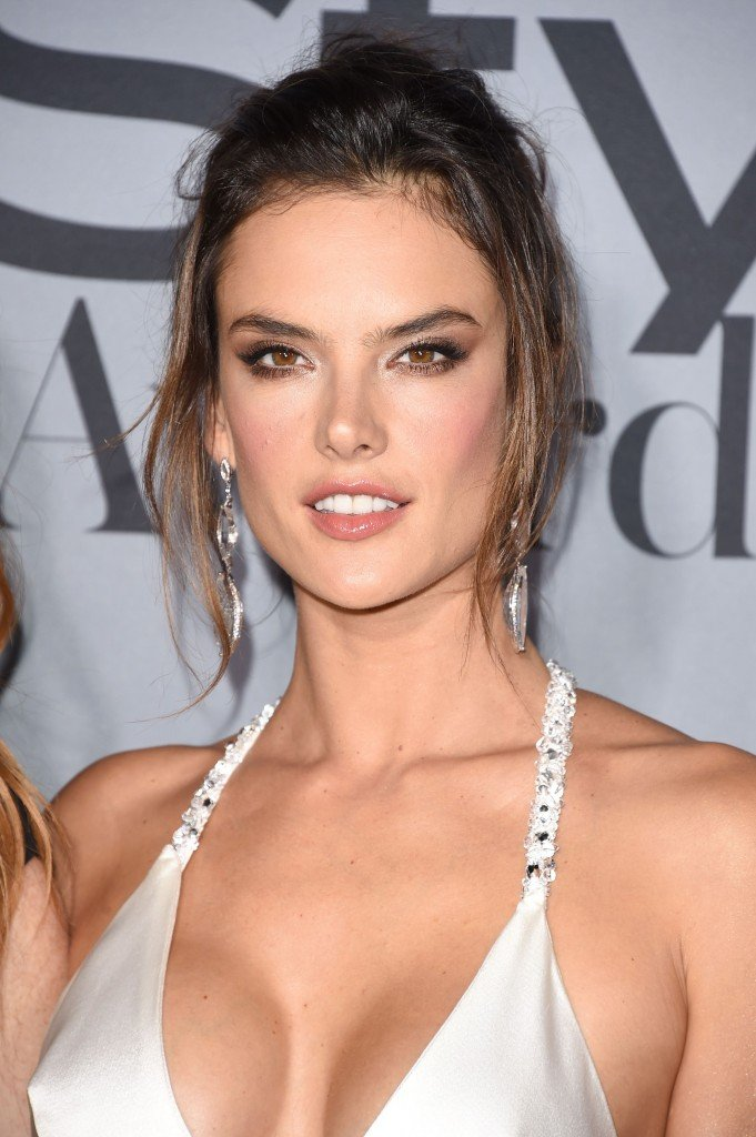 Alessandra Ambrosio Cleavage (36 Photos)