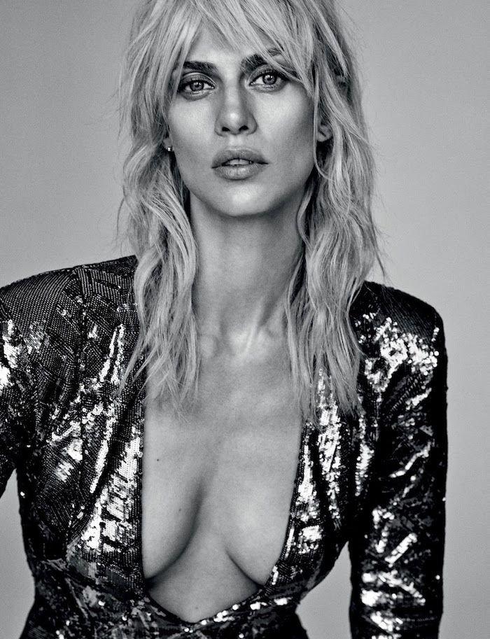 Aymeline Valade Cleavage (1 New Photos)