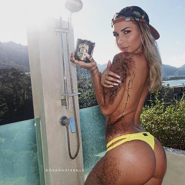 Rosanna Arkle Sexy & Nude & Topless (122 Photos)