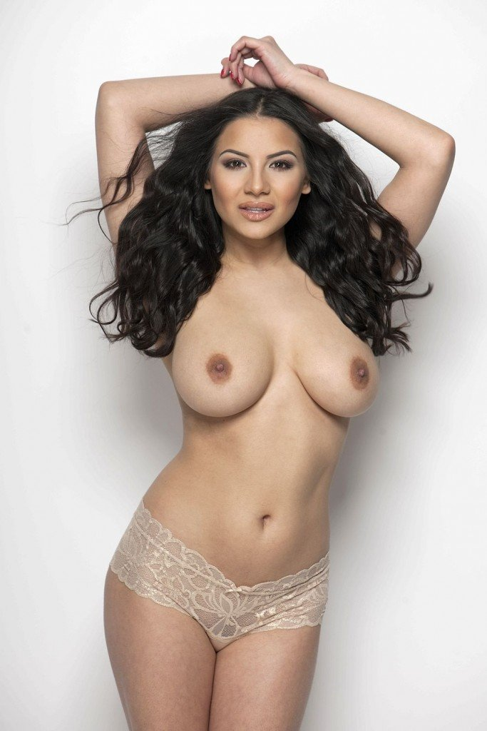 Lacey Banghard Sexy & Topless (4 Photos)