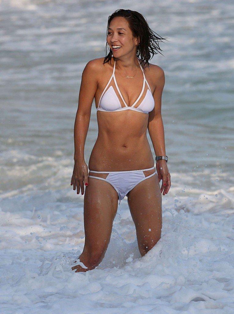 Myleene Klass in a Bikini (19 Photos)
