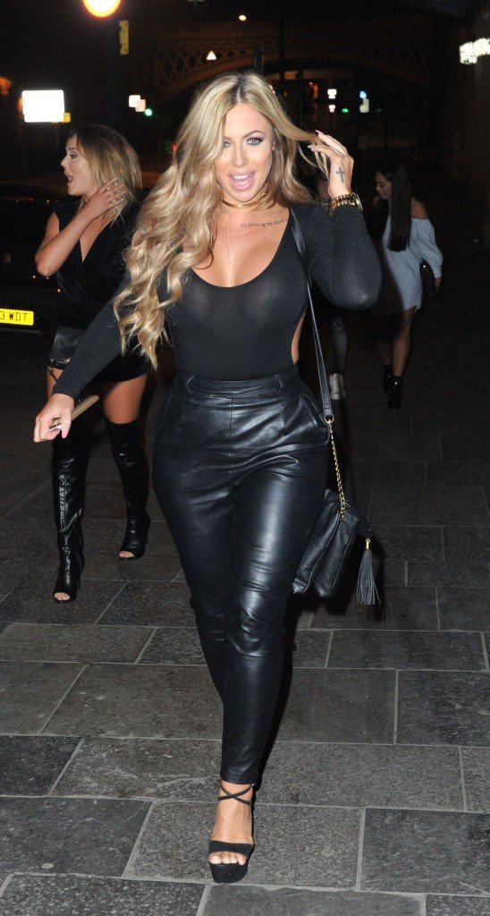 Holly Hagan Braless (23 Photos)