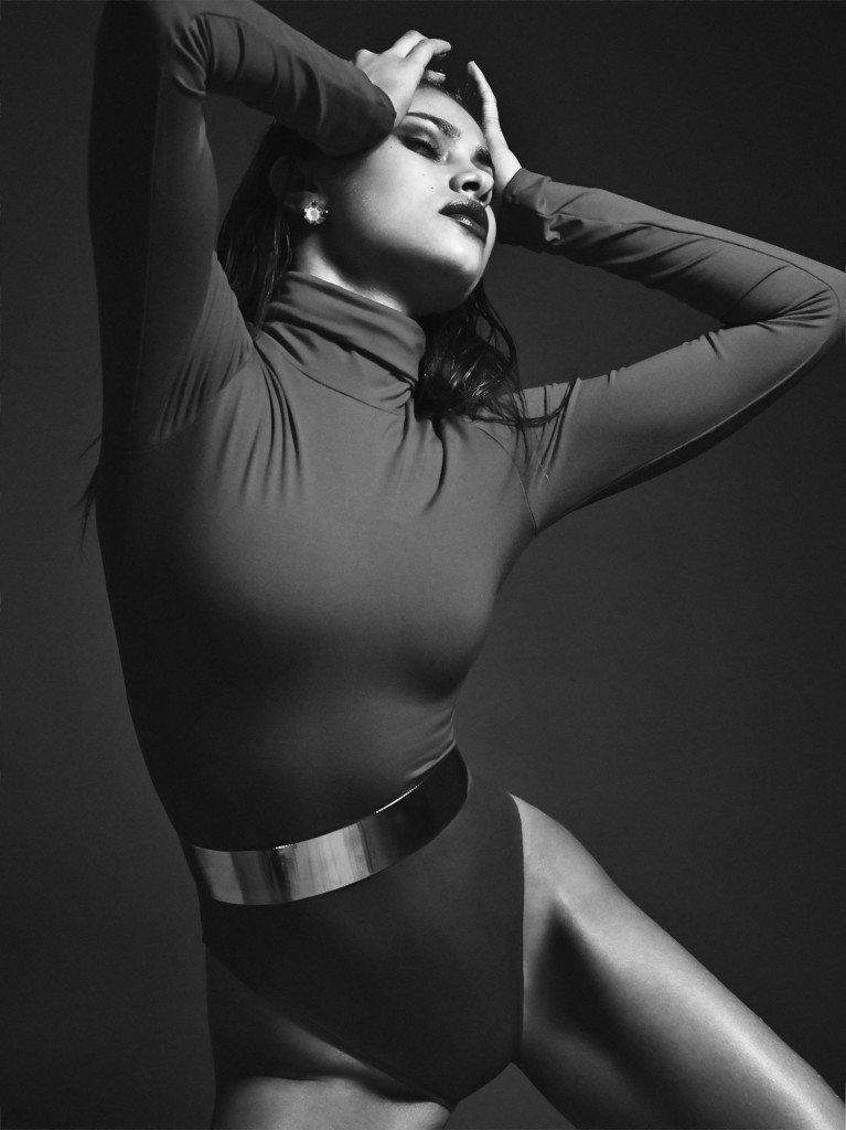 Yara Khmidan Sexy (21 Photos)