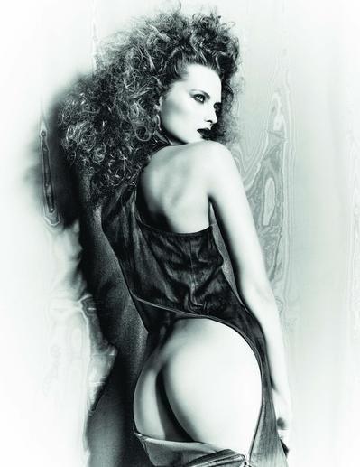 Elena Melnik Sexy & Topless (7 Photos)