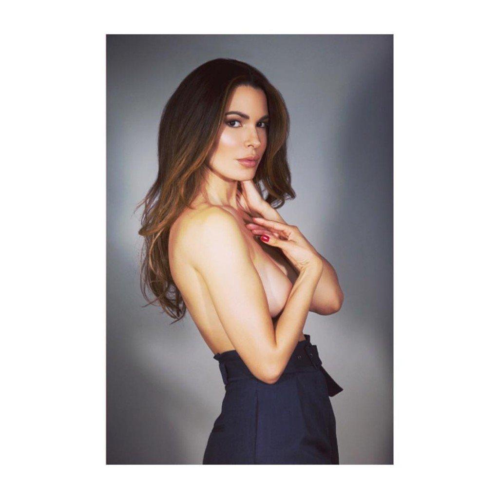 Nadine Velazquez Topless (1 Photo)