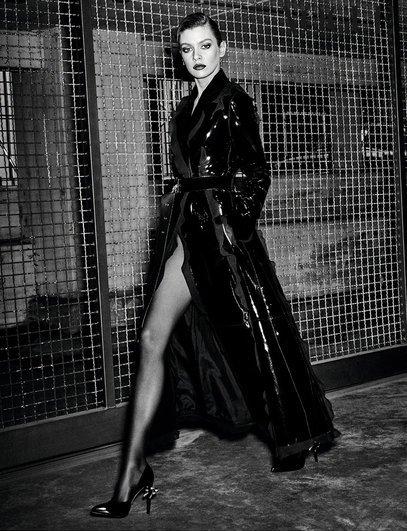 Stella Maxwell Sexy & Topless (5 Photos)
