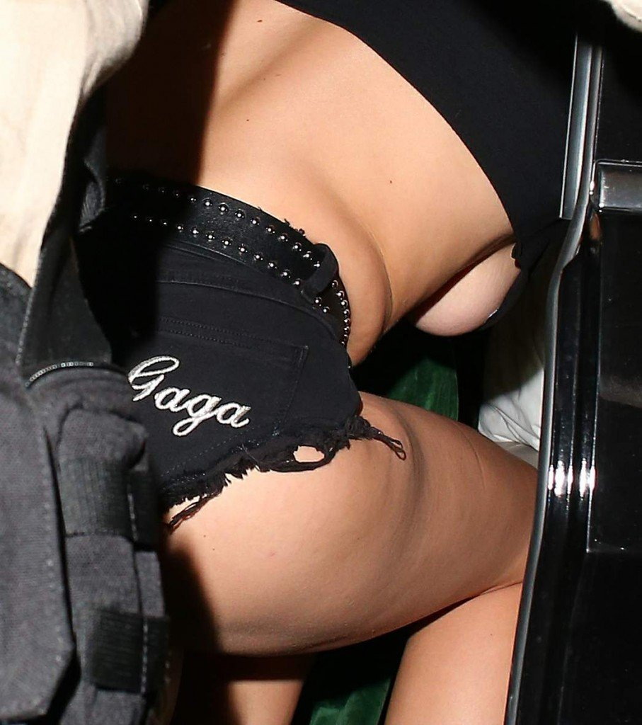 Lady Gaga Underboob & Ass (9 Photos)