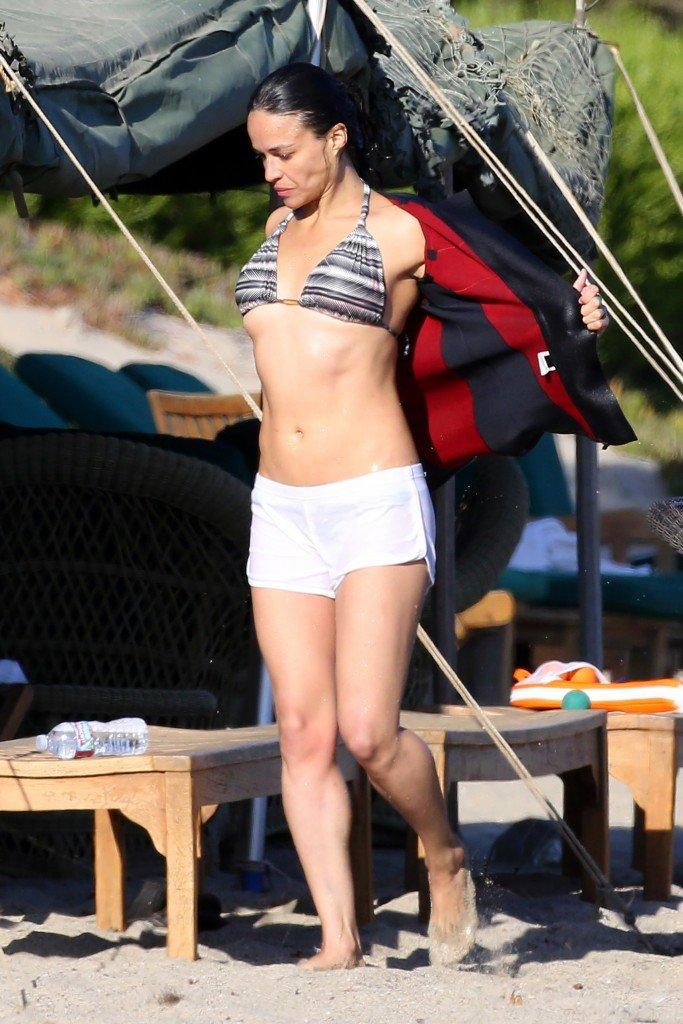 Michelle Rodriguez Sexy (11 Photos)