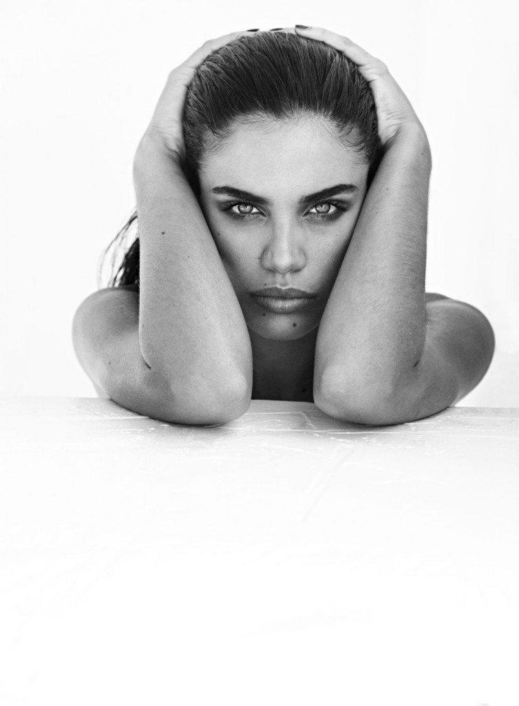 Sara Sampaio Nude (3 Hot Photos)