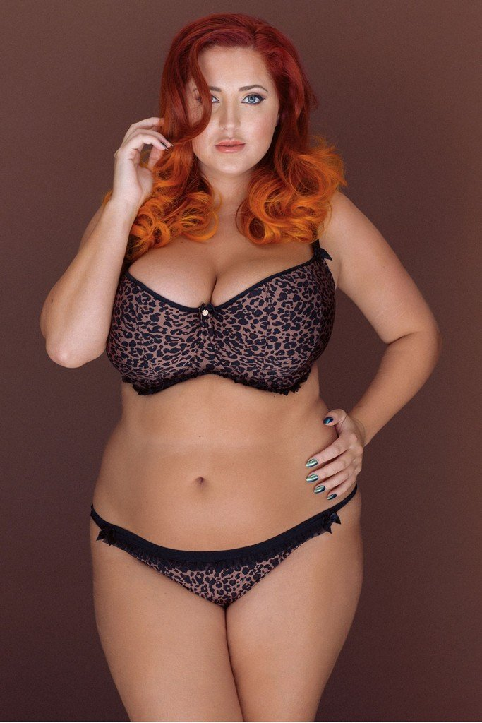 Lucy Collett Sexy and Topless (5 New Photos)