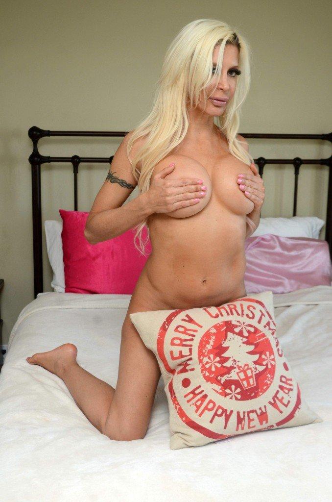 """Angelique """"Frenchy"""" Morgan Naked (40 Photos)"""