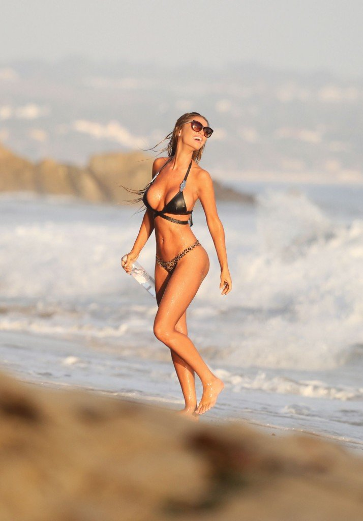 Charlie Riina Sexy (33 Photos)