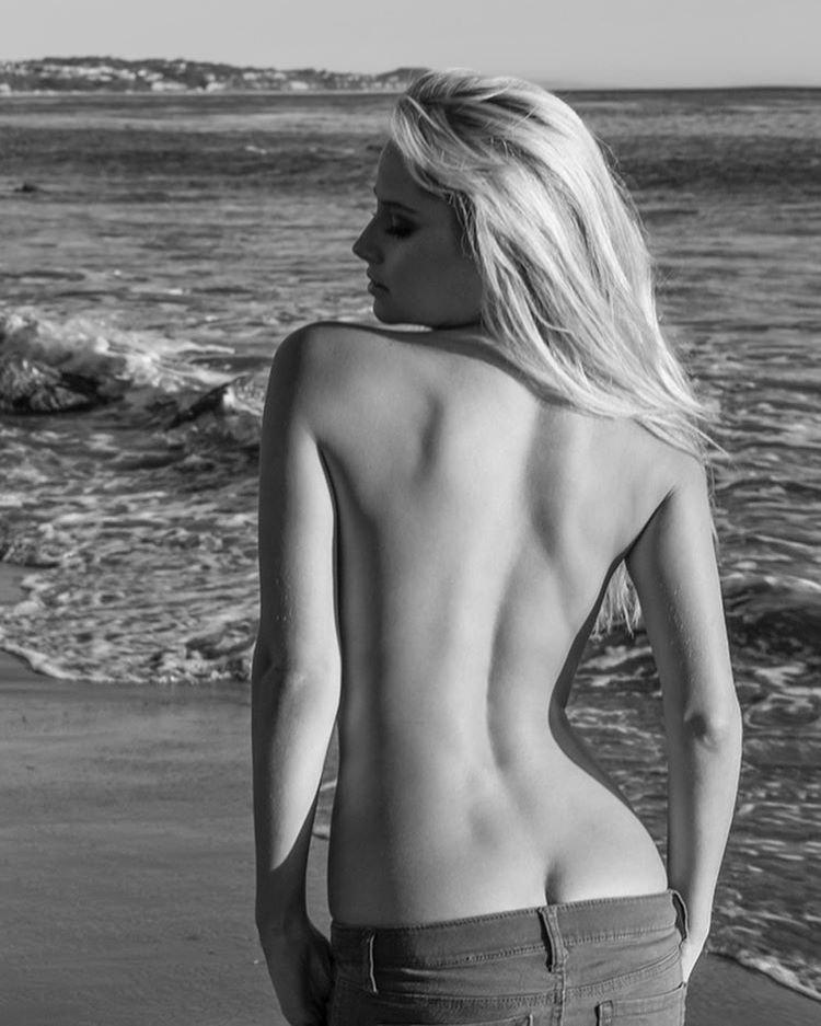 Genevieve Morton Naked (1 Photo)