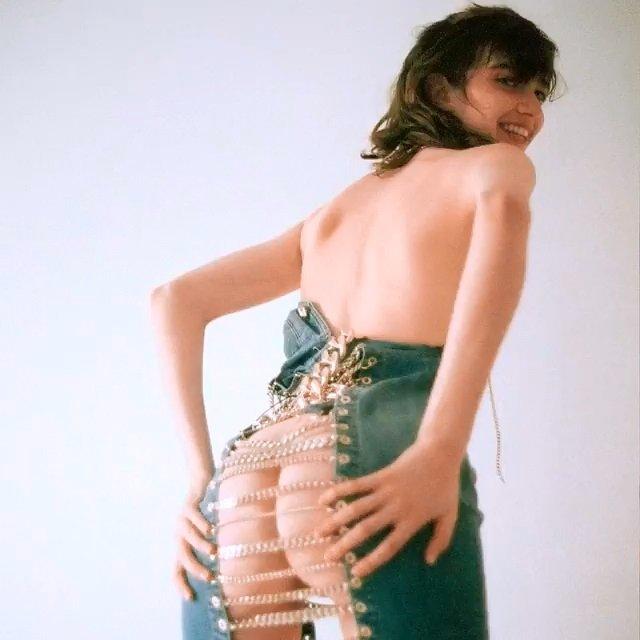 Grace Hartzel Nude (1 Photo)