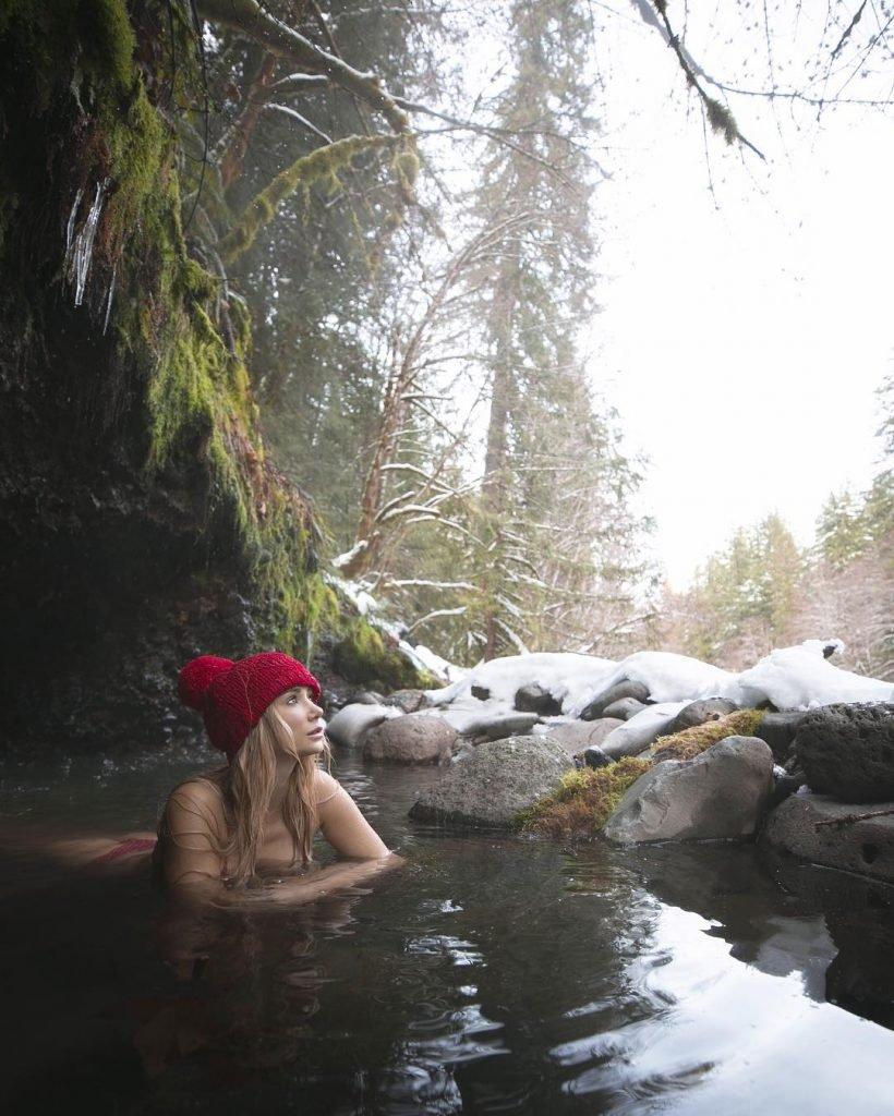 Sara Underwood Sexy (29 Photos + GIFs & Video)