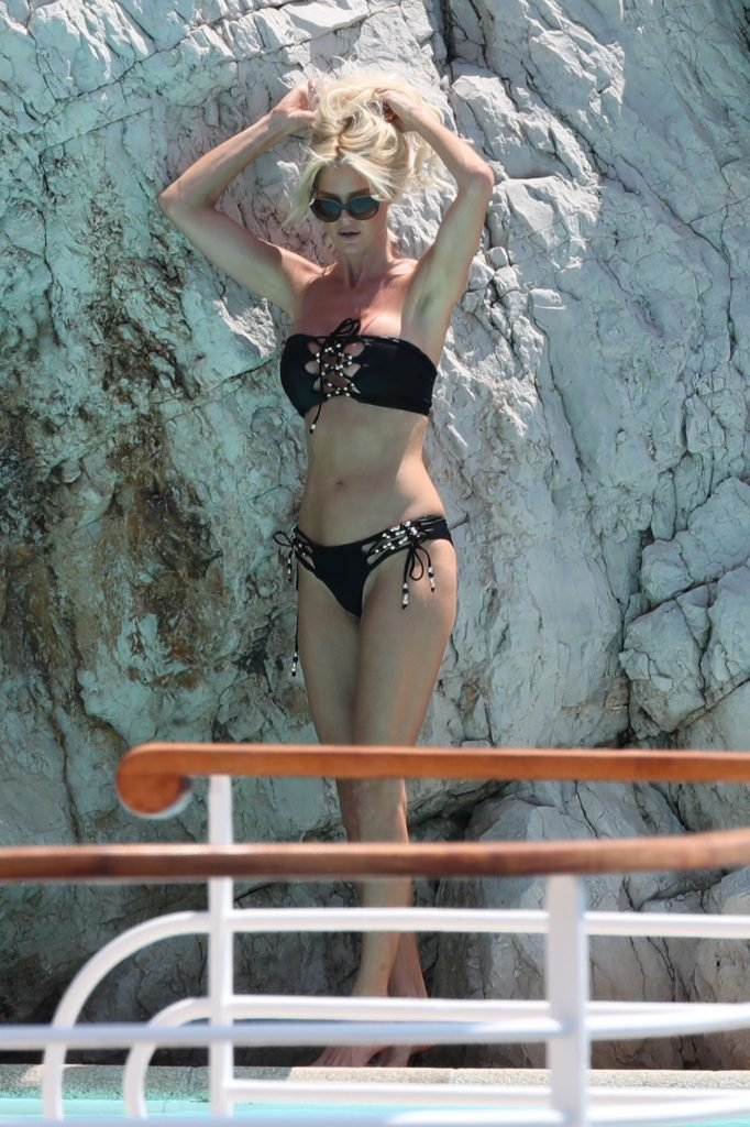 Victoria Silvstedt Sexy (40 Photos)