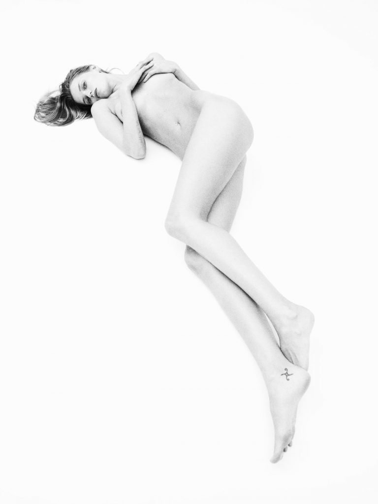 Abbey Lee Kershaw Naked (3 Photos)