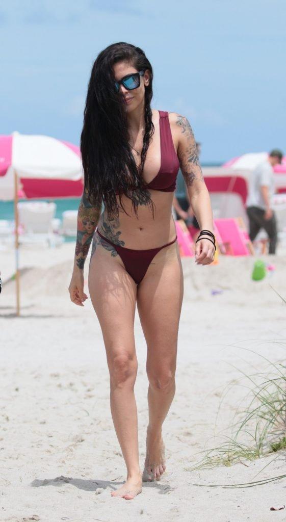 Cami Li Sexy (30 Photos)