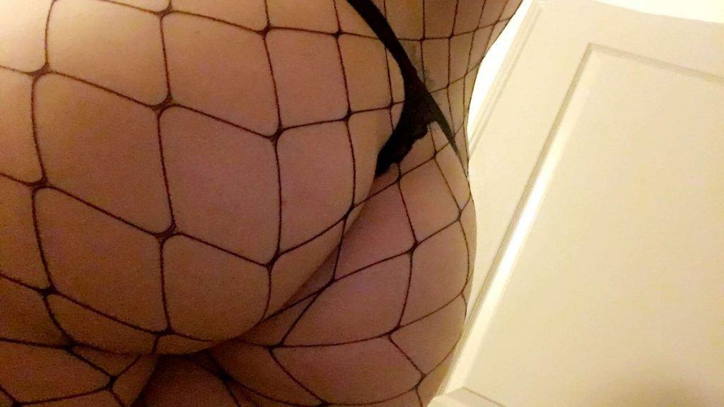 Maitland Ward Topless (13 Pics + GIFs)