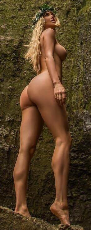Sara Underwood Nude & Sexy (42 Photos + Video & GIFs)