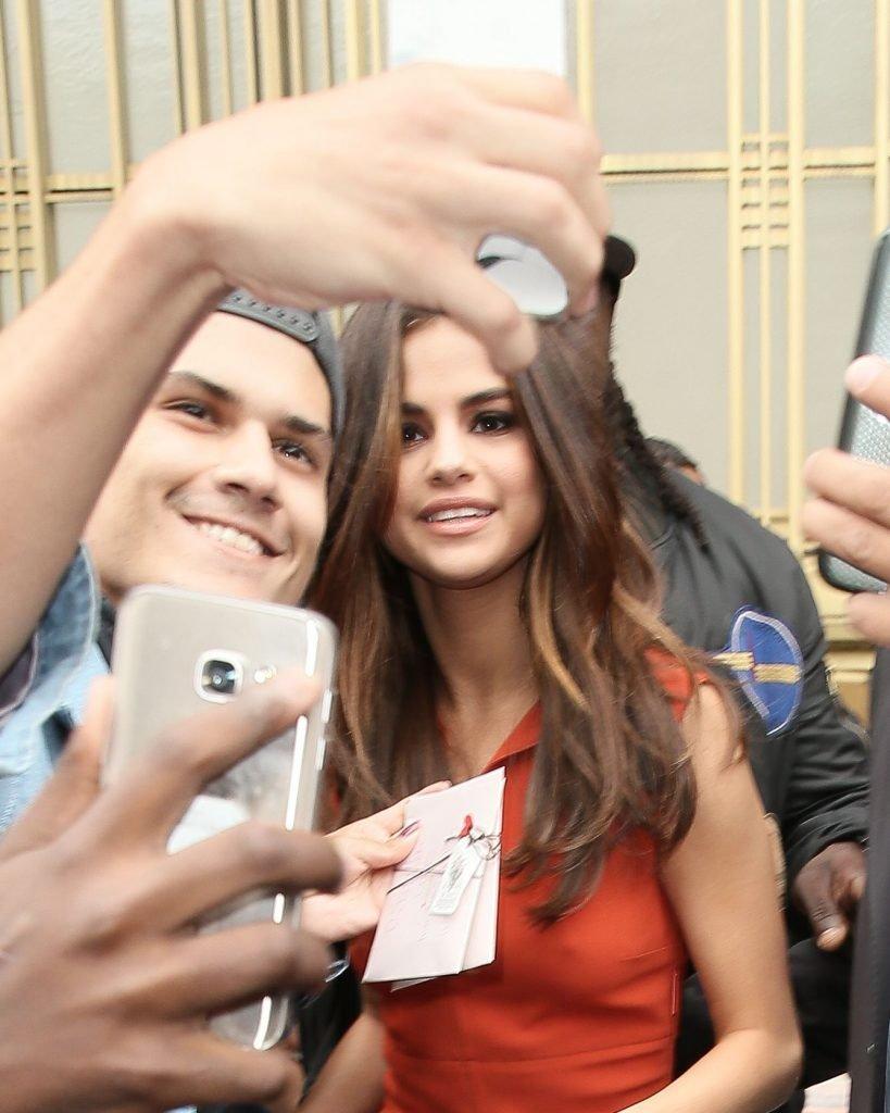 Selena Gomez Pokies (38 Photos + Video)