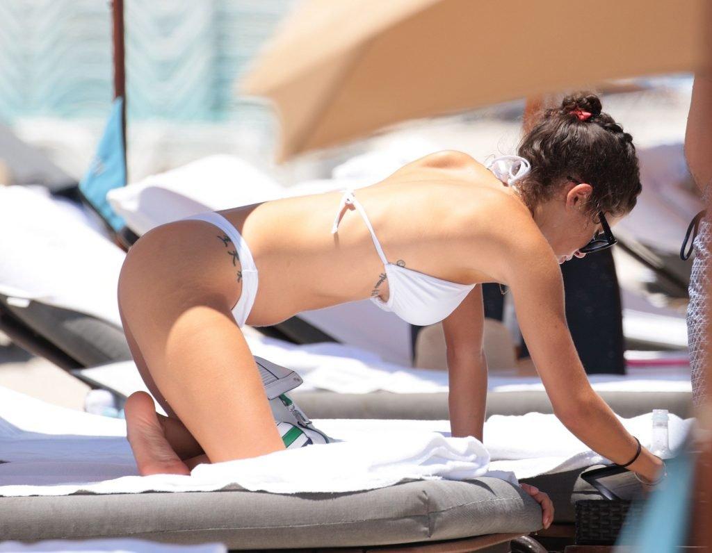 Alexandra Rodriguez Sexy (17 Photos)