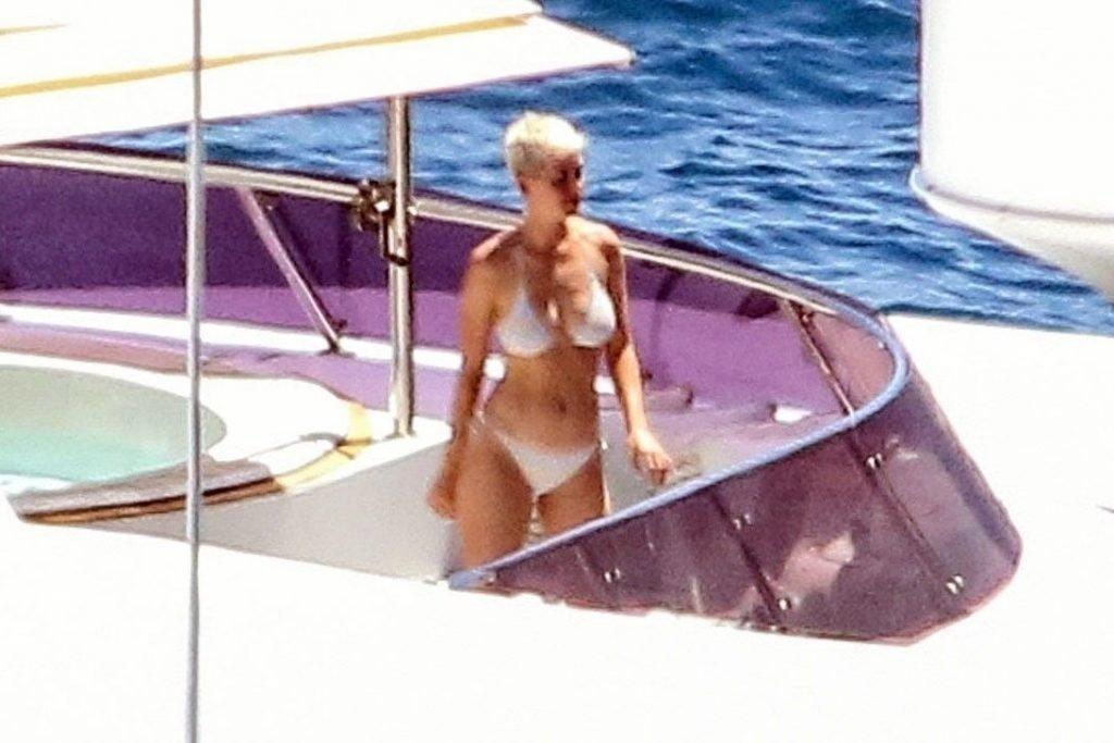 Katy Perry Sexy (10 New Photos)