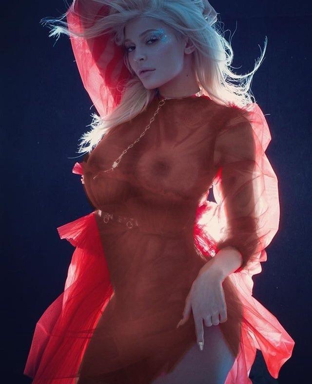 Kylie Jenner See Through (7 New Photos)