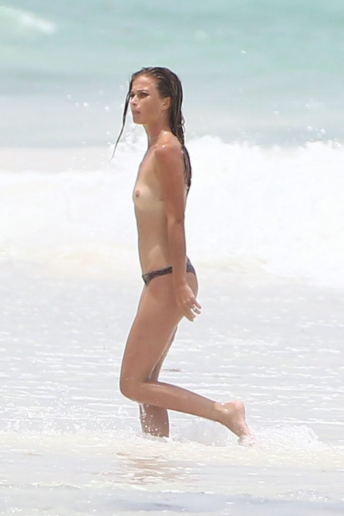 Niamh Adkins Topless (18 Photos)
