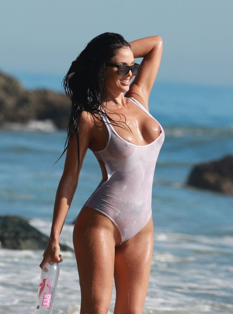 Val Fit See Through (48 Photos)