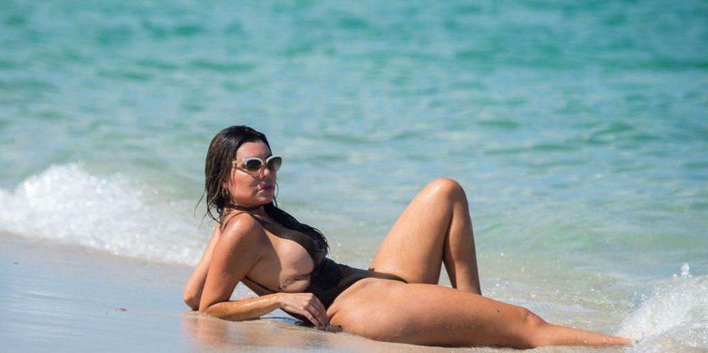 Liziane Gutierrez Sexy (43 Photos)