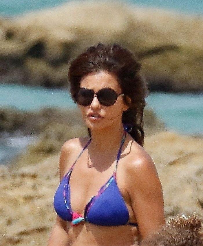 Monica Cruz Sexy (35 Photos)
