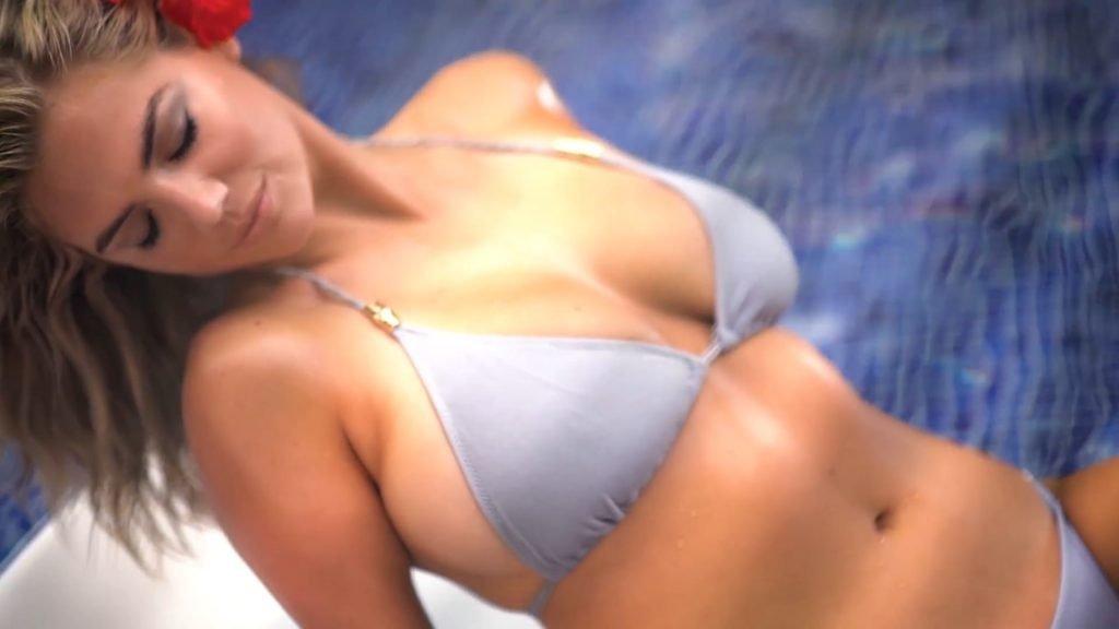 Kate Upton Sexy (21 Pics + Video & Gifs)