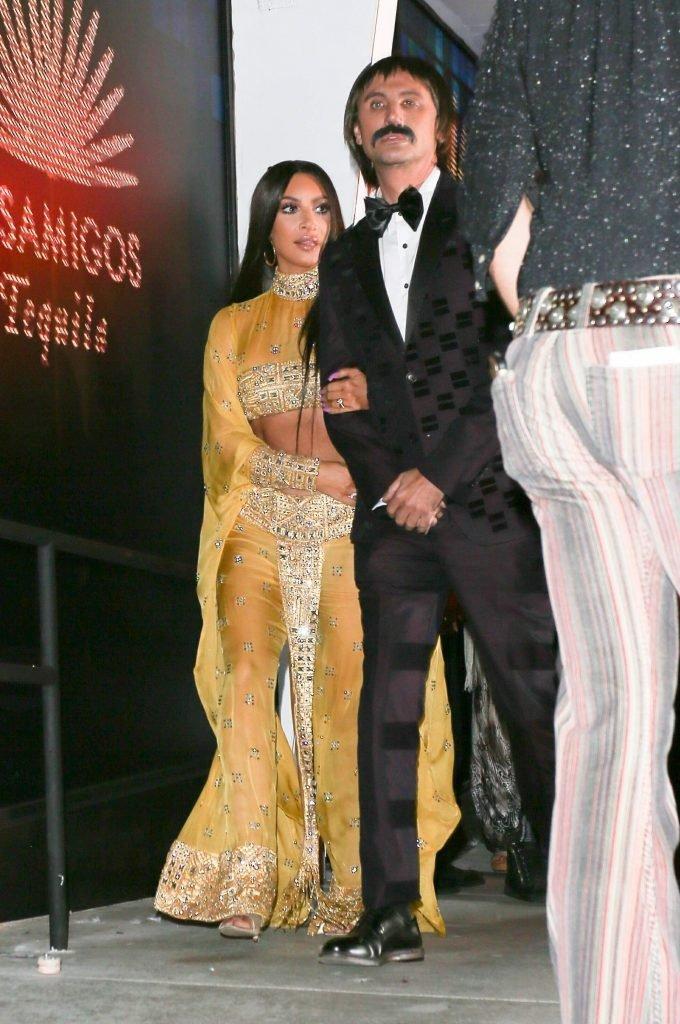 Kim Kardashian Sexy (45 Photos + Video)