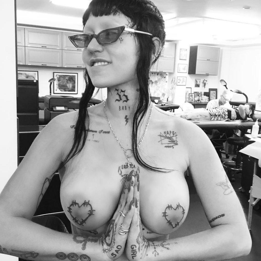 Brooke Candy Topless (3 Photos)