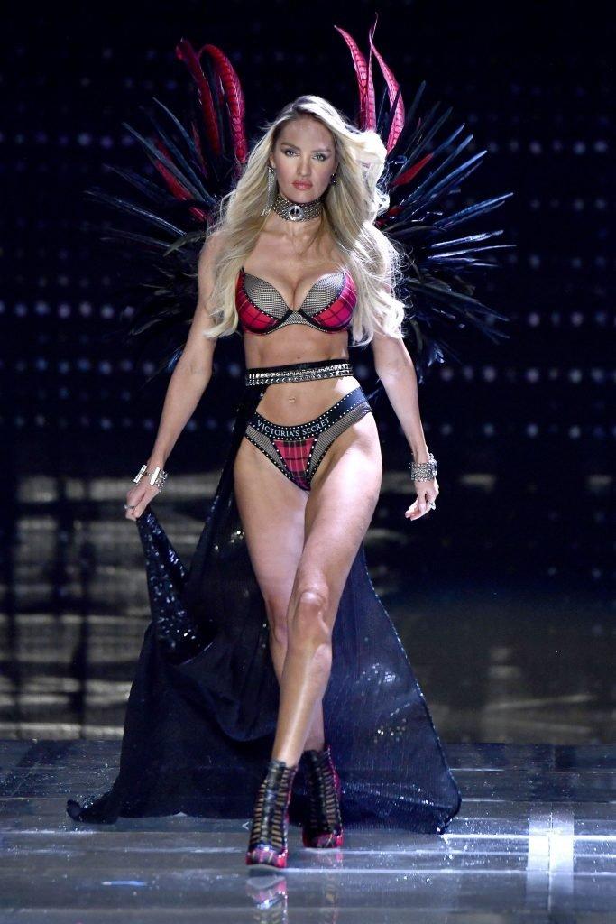 Candice Swanepoel Sexy (7 Photos + Gif)