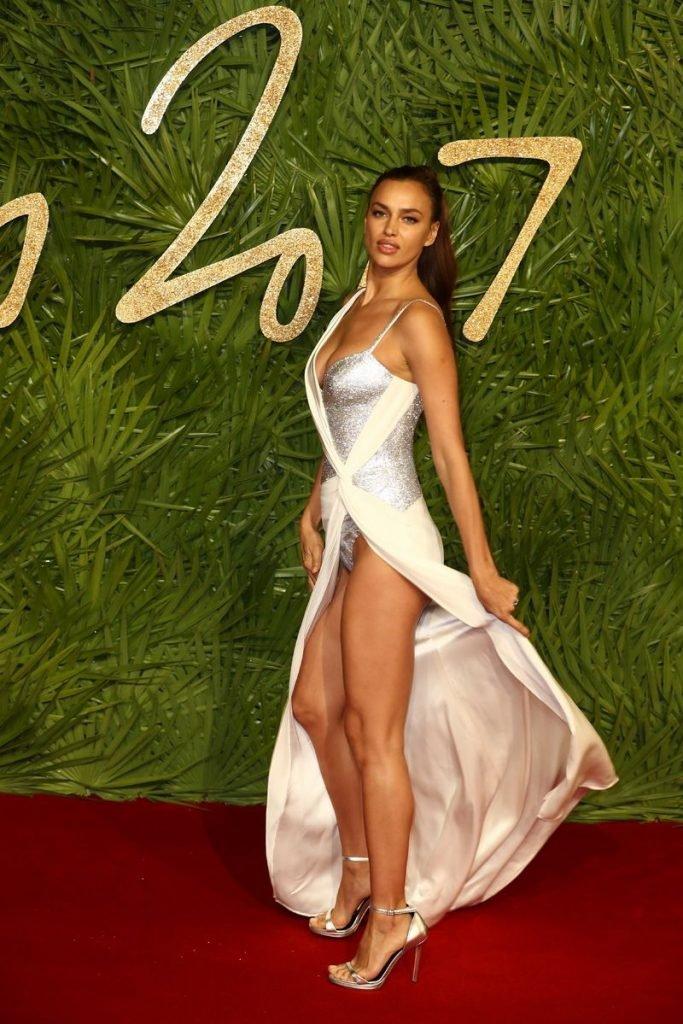 Irina Shayk Sexy (24 Photos + Video)