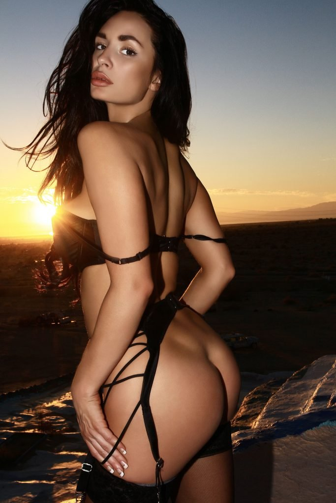 Rosie Roff Nude & Sexy (32 Photos)
