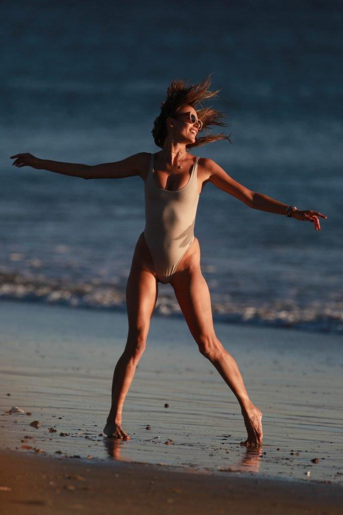Alessandra Ambrosio Sexy (40 New Photos)