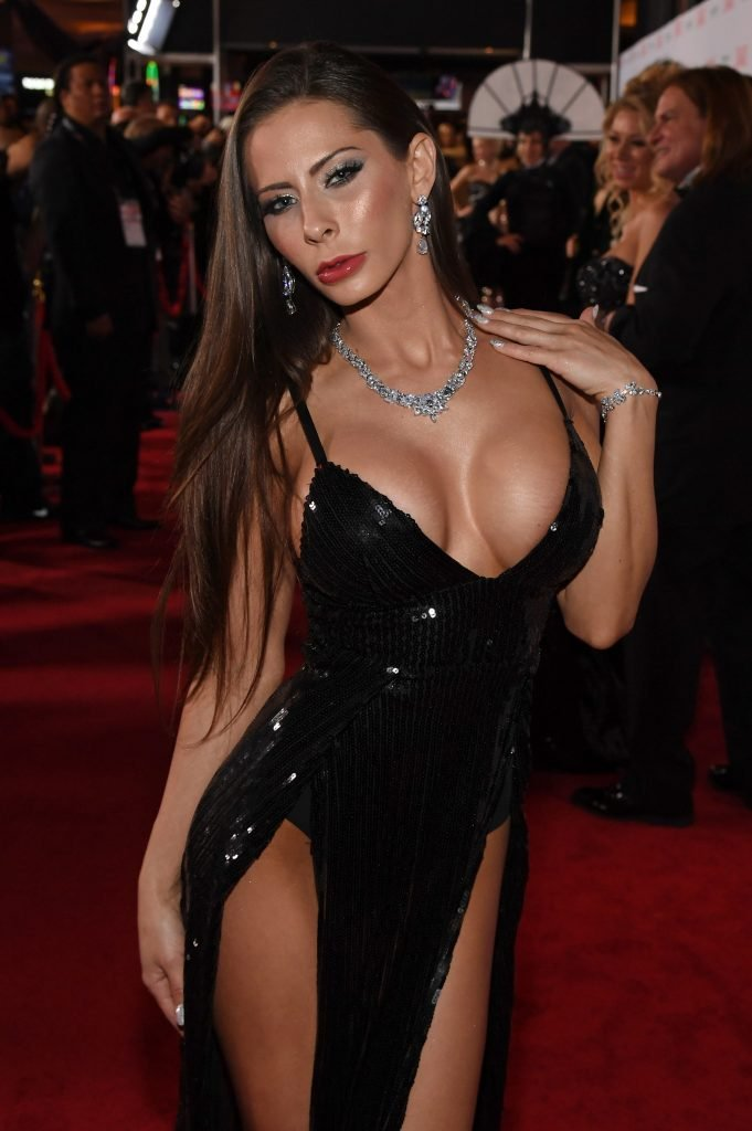 Madison Ivy Sexy (4 Photos + Gif)