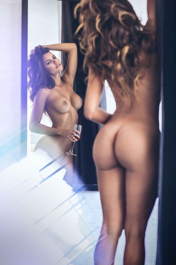Linda Palacio Nude & Sexy (19 Photos)