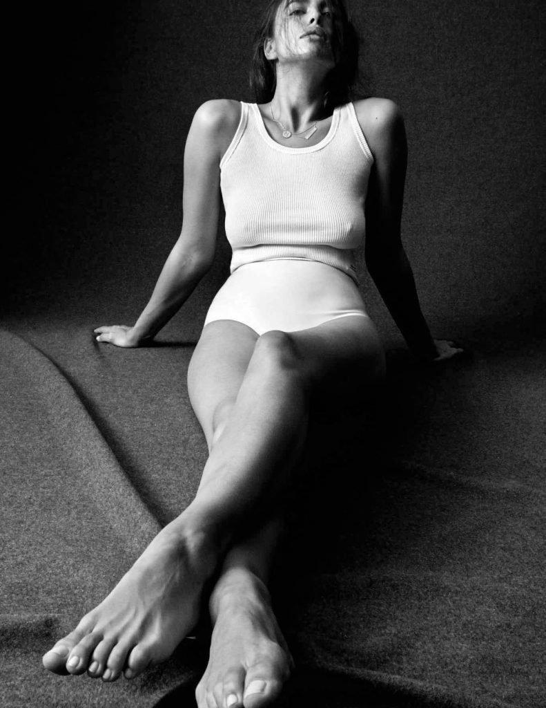 Irina Shayk Sexy & Topless (19 Photos)