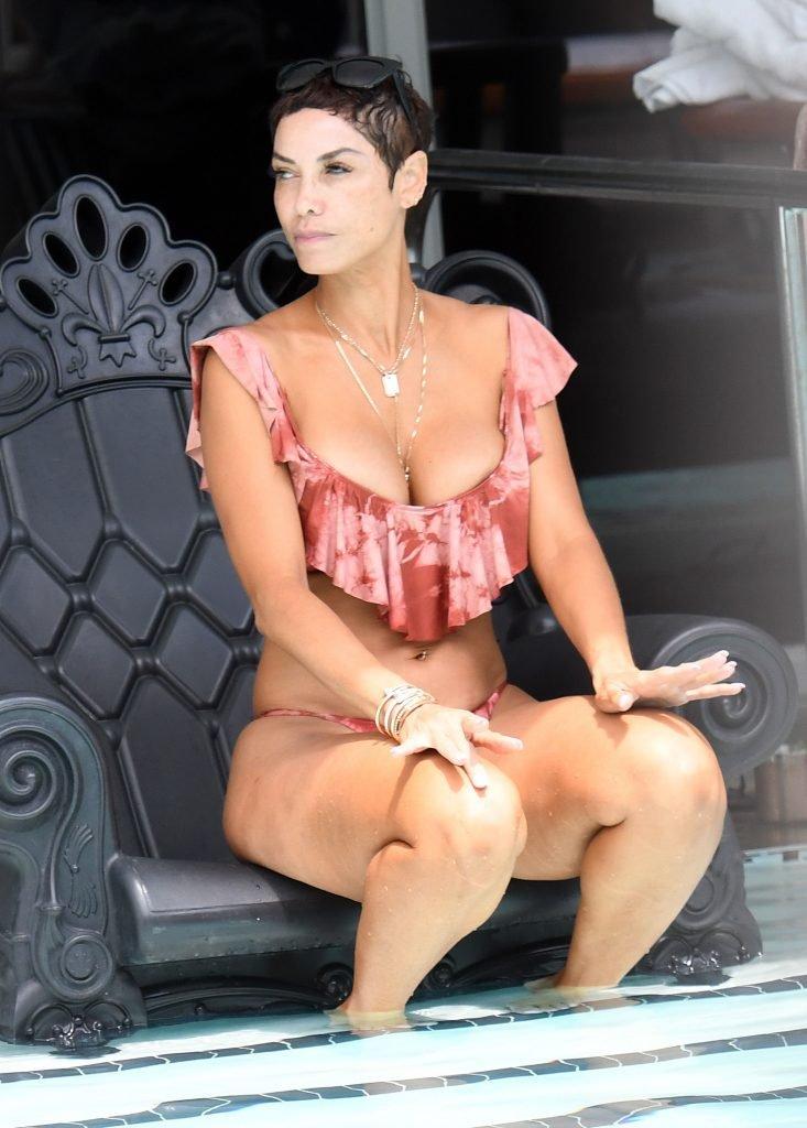 Nicole Murphy Sexy (25 Photos)