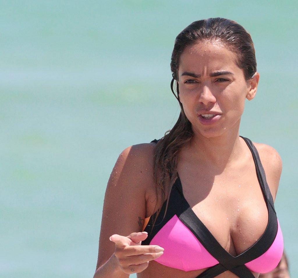 Anitta Sexy (69 Photos)