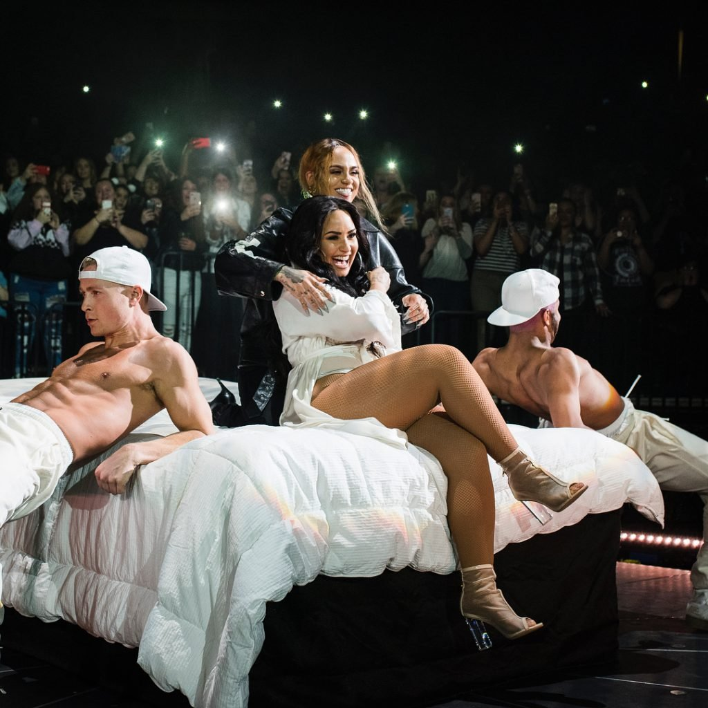 Demi Lovato & Kehlani Getting Intimate on Stage (18 Pics + Gifs & Video)
