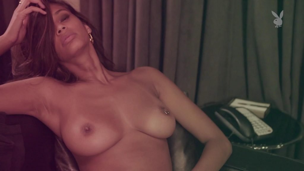 Tsanna Latouche Sexy & Topless (52 Photos + Gifs & Video)