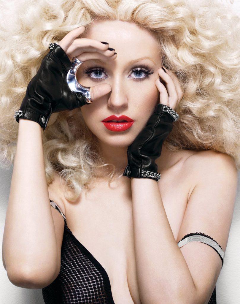 Christina Aguilera Sexy (11 Photos)